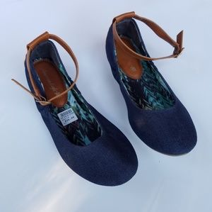 American Eagle| Denim flats with Ankle Strap